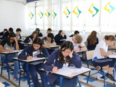 FUVEST: alunos estudaram tema da redação na escola