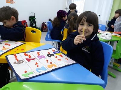 Infantil realiza projeto com movimento de pinça