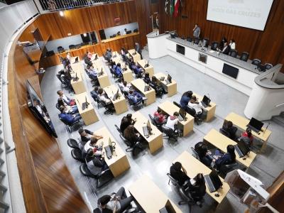 Colégio tem 8 alunos no Parlamento Estudantil