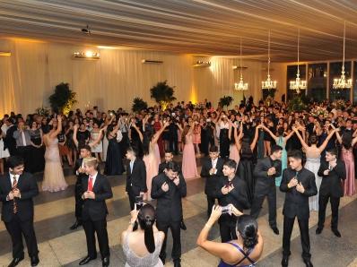 Baile de Gala celebra formatura de 2017